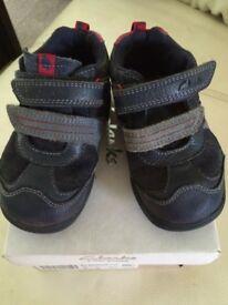Clarks boys shoes size 6G