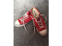 Converse low rise, size 8 adult