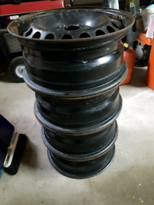 "4 rims 15""  ( bolt pattern 5x112 )"