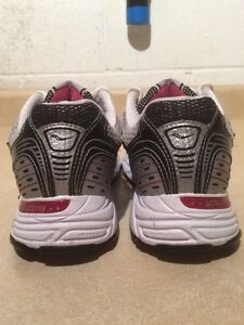 Women's Saucony Cohesion 4 Running Shoes Size 7.5 London Ontario image 5