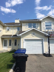 ***TOWNHOUSE FOR RENT IN SILVERSPRINGS***AVAILABLE ASAP***