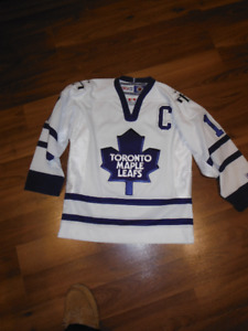 Toronto Maple Leaf youth official jersey SIZE Youth S/M