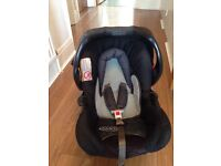 Graco infant car seat and base 0+
