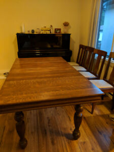 Antique Extendable Dining Table with Five Chairs