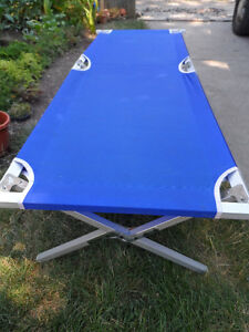 Military-Style Camping Cot