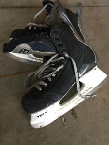 Skates Nike Size 9