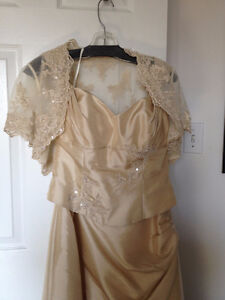 BRIDAL GOWN/MOTHER OF THE BRIDE/GROOM DRESS Cornwall Ontario image 2