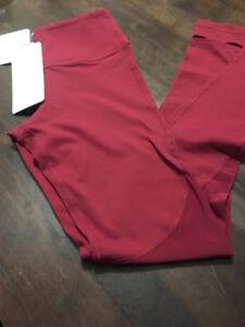 Lululemon burgundy tights