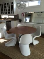 Modern Round Dining Table and 4 Chairs