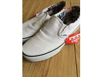 Vans White canvas UK! Size 6
