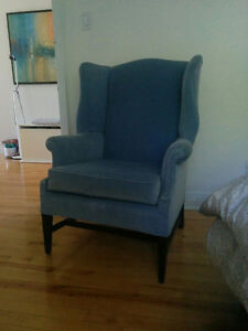 Beautiful velvet Wing Chair West Island Greater Montréal image 3