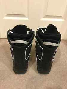 Firefly 28 cm, US 10, UK9 snowboard boots