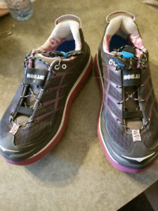 Size 6 Hoka trail running shoes - excellent condition