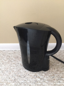 Moving sale! electric kettle for $5
