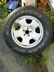 Recherche Pneu et Rims Subaru Forester 2000