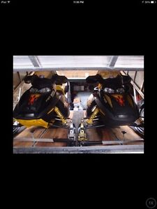 Skidoo rev's with enclosed Mission trailer