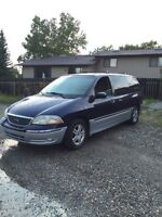 $1300 2001 Ford Windstar in great condition
