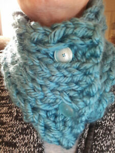 Knitted neck cowls