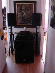 Speaker de Show avec Emplie Crown Sub Beringer - New Price