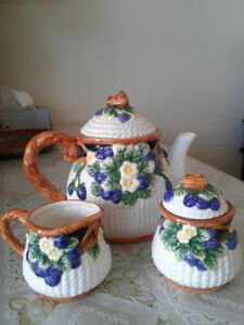 Vintage 1980's Nantucket porcelain coffee /tea set
