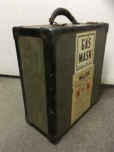 Gas Mask Willson double ww2 or 1950s kit in case Saint-Hyacinthe Québec image 8
