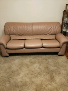Leather lounge set