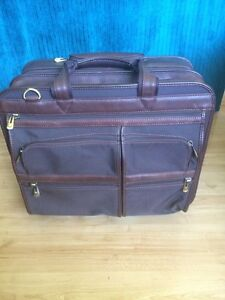 Heavy duty laptop suitcase on wheels
