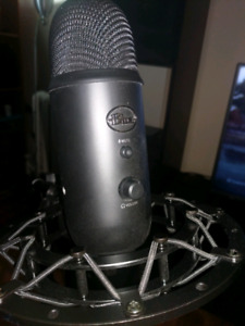 Yeti Blue USB Mic and Shockmount /w Stand