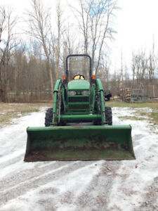 2006 John Deere 4120 utility tractor w/ attachments