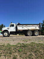 4900 International gravel truck