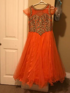 Gown for sale  *brand New*Never Used* excellent condition.
