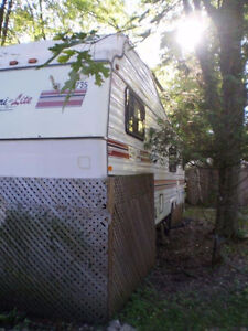 32' 5th Wheel Trailer For Sale @ Fanshawe Reduced to $1800