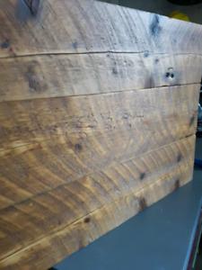 Cire abeille a polir le bois fini rustique (encaustique)