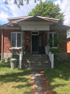 194 Victoria St.- Large 3 Bedroom House!