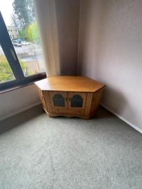 59. Solid wood TV unit