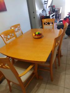 Table 6 chaises buffet + rallonge