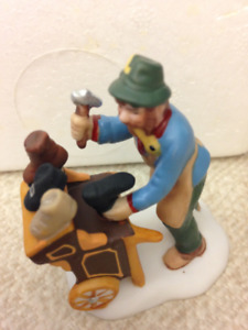 DEPARTMENT 56  - COBBLER & CLOCK PEDDLER - #58394