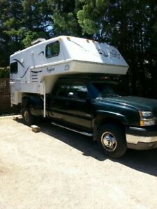 Bigfoot 2500 Series Truck Camper