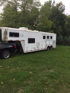2006 Sooner 3Horse Trailer with Living Quarters