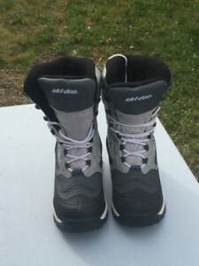 Ladies Ski-doo Boots
