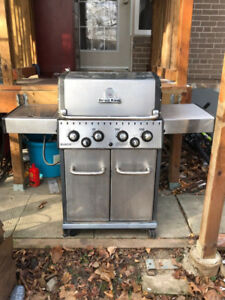 "Broil King Baron BBQ Grill, 57"", 6-Burner Propane BBQ with cover"
