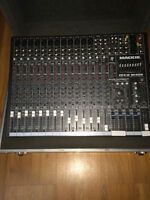 Mackie CFX16  with Road Case