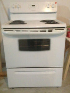 Electric Frigidaire Stove- Like New and Microwave