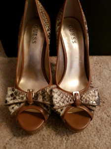Guess heels size 7M