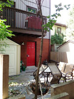 Rare: Dntn on the Rideau: deck+patio+air+6app+loft+fp+pkg