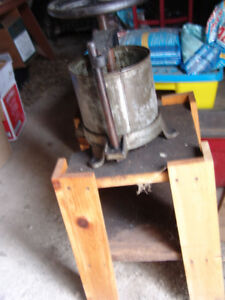 WINE  OR CIDERMAKING PRESS  GOOD CONDITION