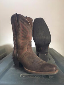 Women's size 8 Ariat Boots