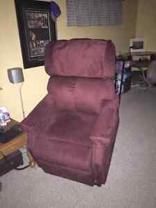 Lazy boy recliner with remote Kawartha Lakes Peterborough Area image 4