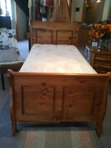 Sleigh bed and Mattress
