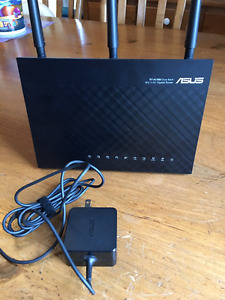 ASUS RT-AC68u Dual-band 3x3 AC1900 Wifi 4-port Gigabit Router